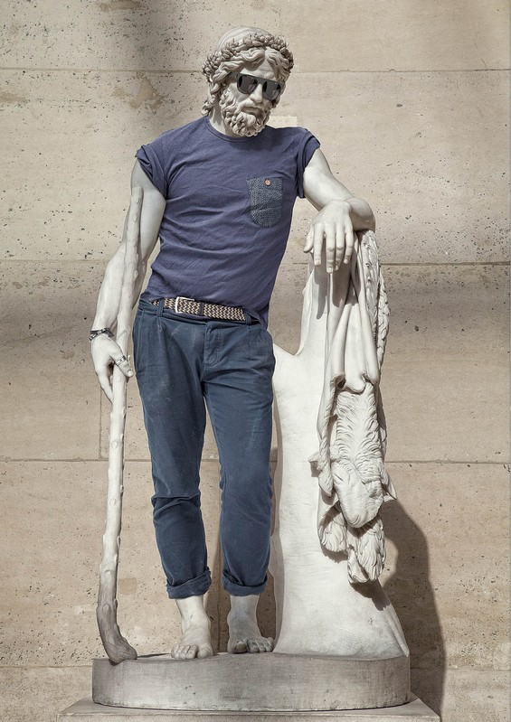 classical-sculptures-hipsters-0